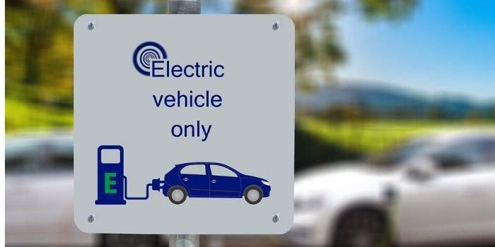 Samochody elektryczne czy gazowe, które będą popularniejsze w przyszłości?, fot. pixabay.com