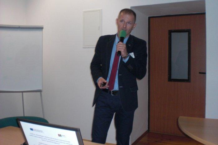 Referat wygłasza prof. dr hab. inż. Stanisław Czapp.