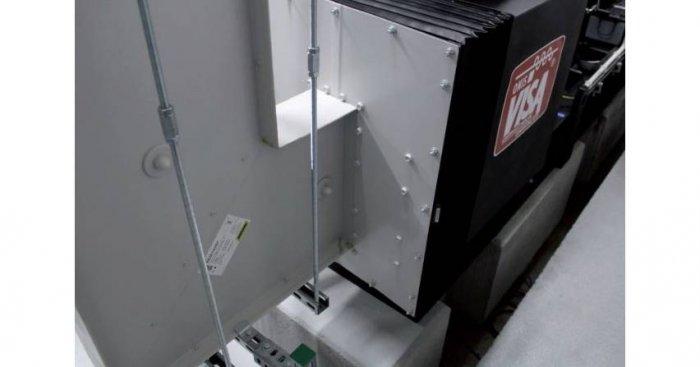 Przykład podłączenia zespołu prądotwórczego za pomocą elementów elastycznych do przewodu szynowego o prądzie nominalnym 4000 A