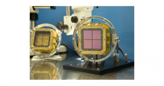 Matryca składająca się z 4 detektorów podczerwieni o rozdzielczości 2048x2048 pikseli systemu HAWK-I (High Acuity Wide field K-band Imager) zainstalowana w Yepun, czwartej jednostce teleskopu VLT (Very Large Telescope) znajdującego się na pustyni Atakama ESO