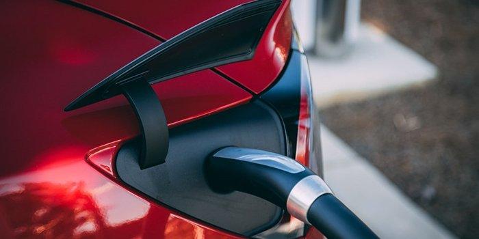 Rynek samochodów EV po pandemii czeka dynamiczny wzrost, fot. unsplash.com
