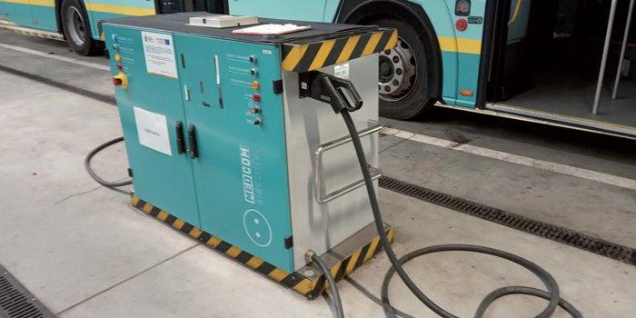 Stacja ładowania autobusów elektrycznych z dwoma punktami ładowania. Zajezdnia w Jaworznie, fot. P. Piotrowski